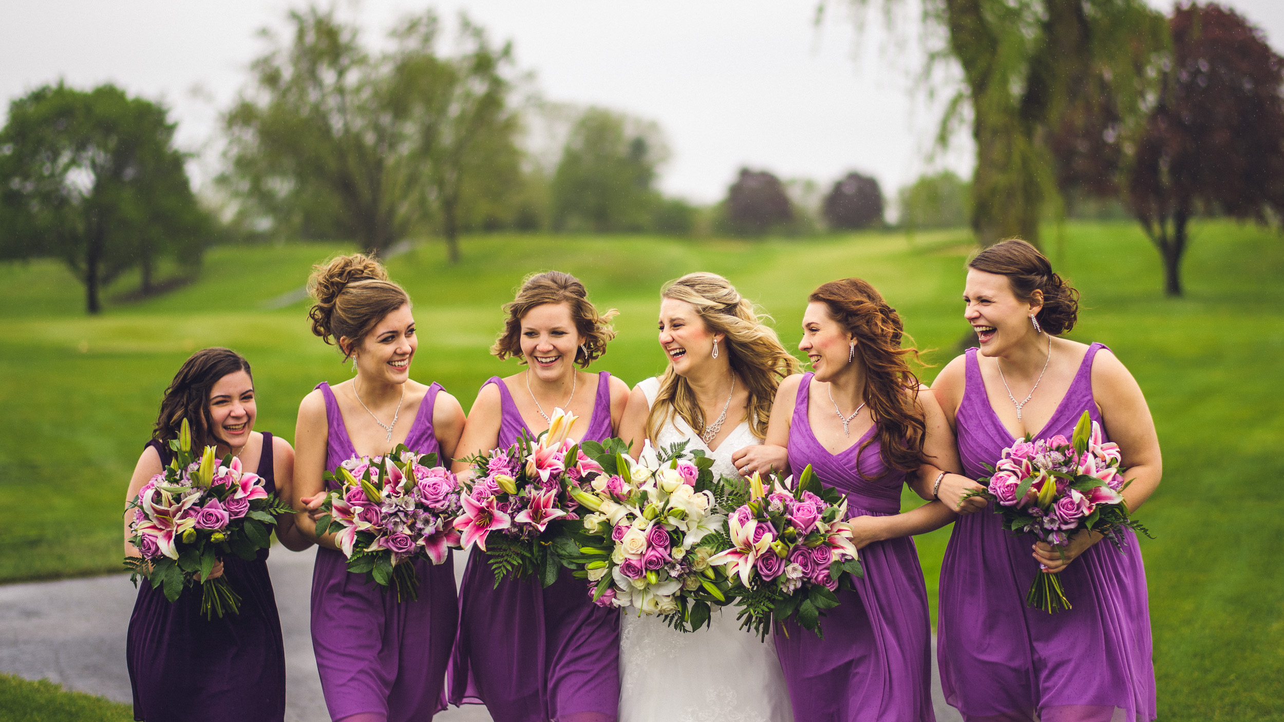 01-bride-and-bridesmaids-in-park