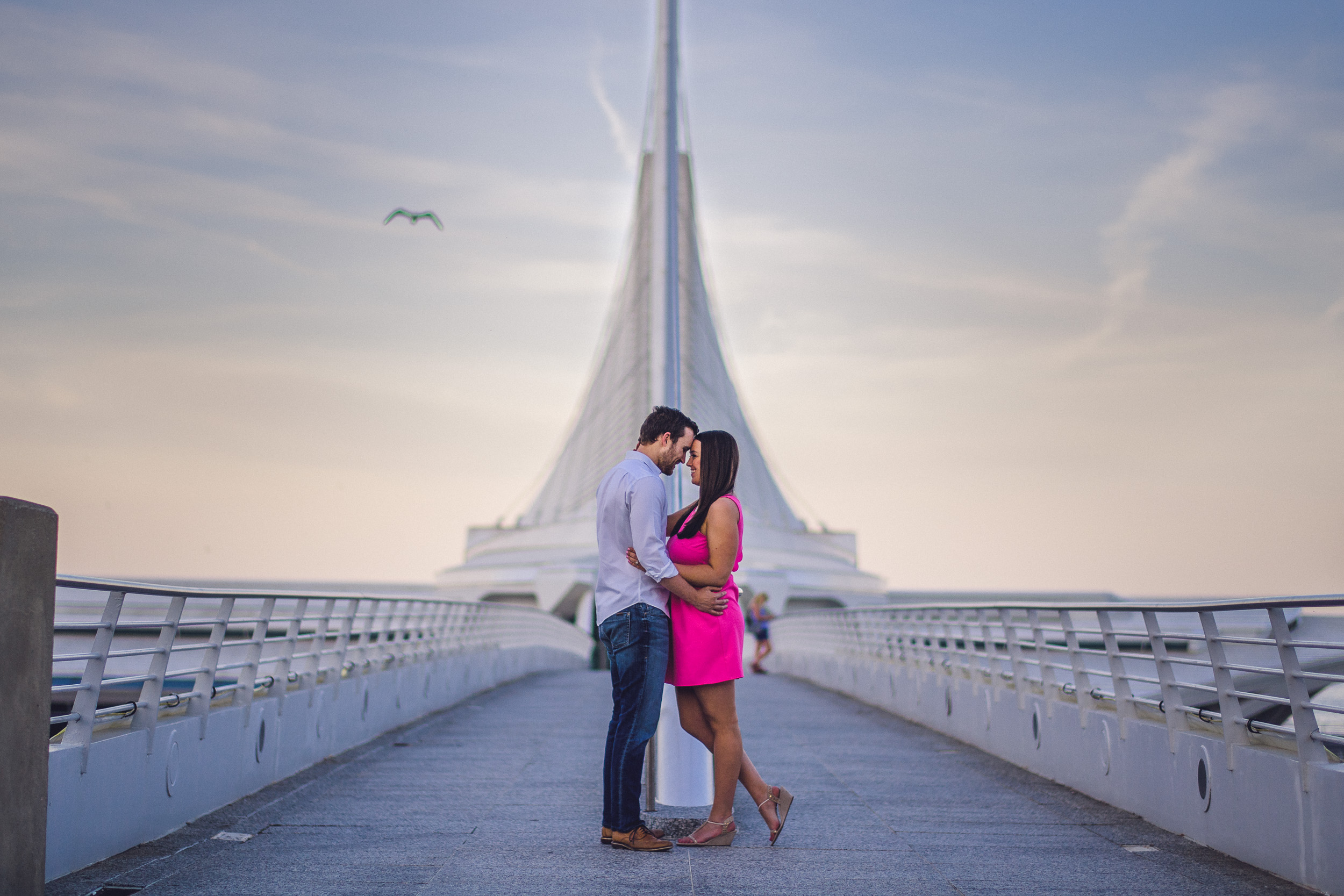 02-engagement-session-milwaukee-art-museum-kenosha-wedding-photographer