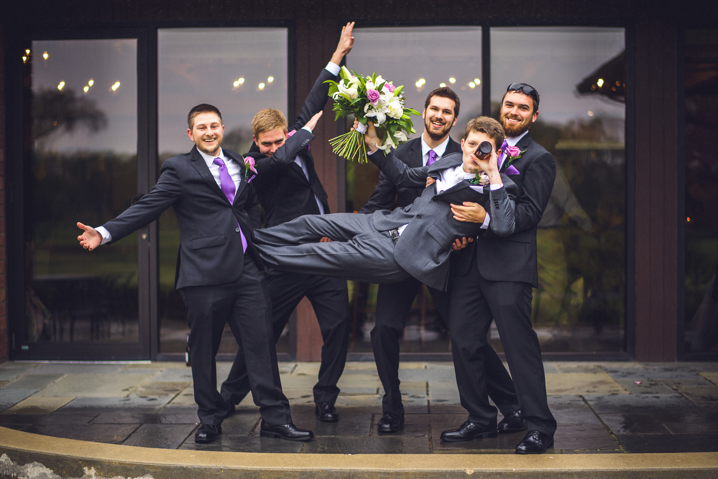 03-groom-and-groomsmen-kenosha-wedding-photographer